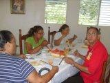 El Servidor mayor Dionisio Nuñez No juega con su comida